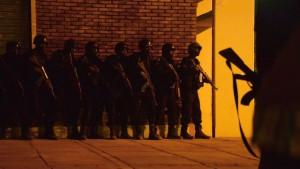 burkina-soldados-noche