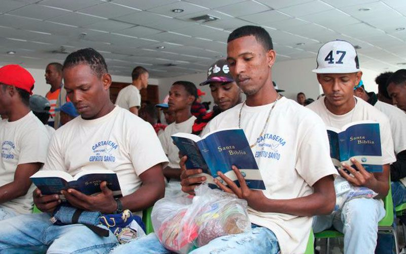 pandilleros-biblias-20160906130629